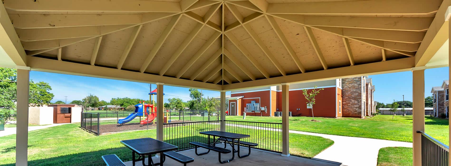 Royal Gardens | Wichita Falls, TX | (940) 285-5380